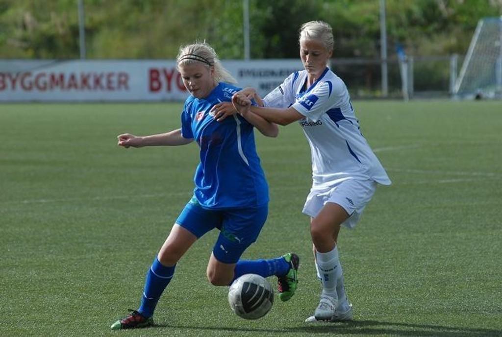 Linderud-Grei og Nina Thorne spilte en god kamp og skapte flere store sjanser i 0-2 tapet mot Kolbotn søndag.