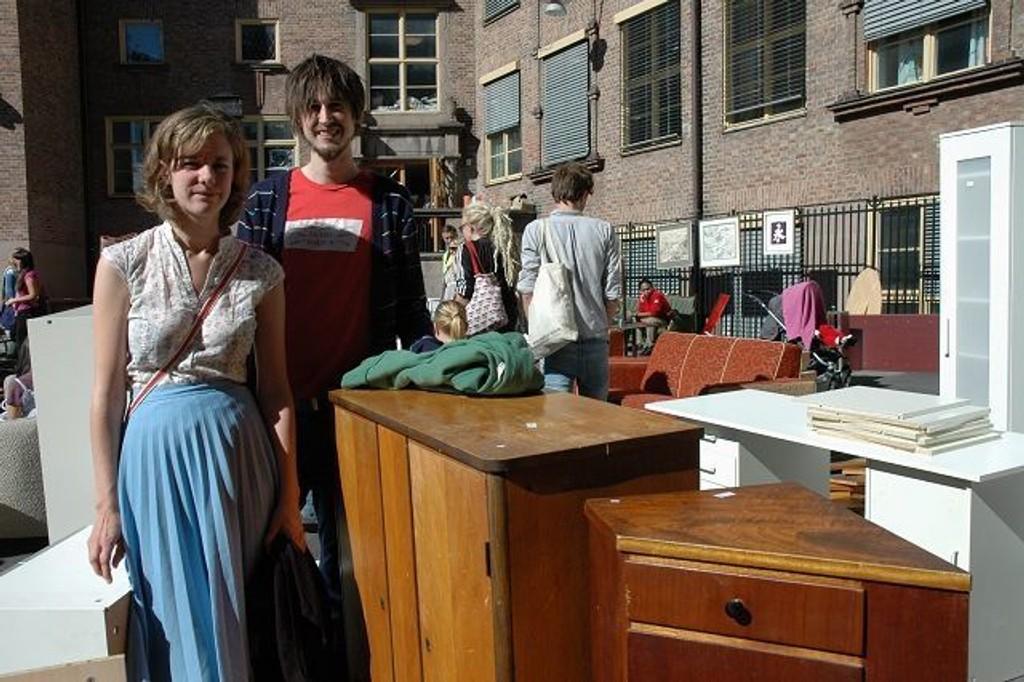 Nina Bakken og Robin Barstow kjøpte seg to kommoder til oppbevaring av garn.