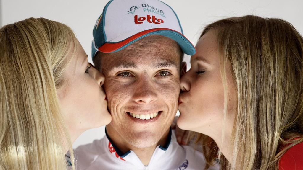 VINNERENS LODD: Man vinner ikke bare rittet, men også gunsten hos podiedamene. Det fikk Philippe Gilbert nyte godt av etter Amstel Gold Race.