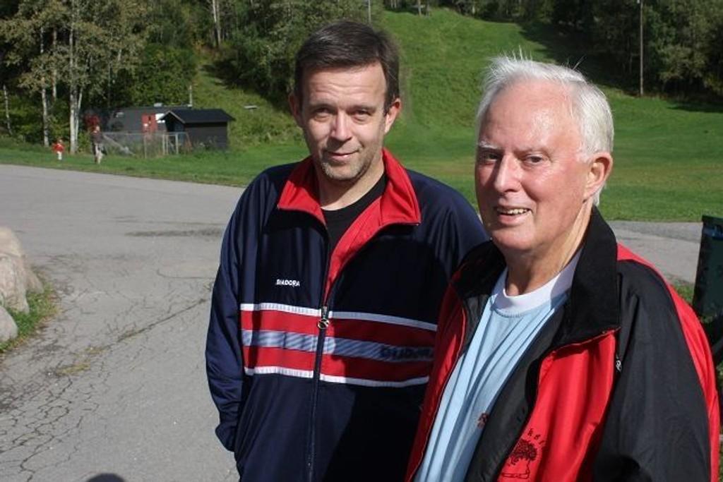 Harald Solberg fra Fredrikstad hadde tatt med seg sønnen Steinar Solberg på turmarsj. Han deltar på turmarsjer to til tre ganger i uka, i tillegg til hver helg. Stort sett befinner han seg i lokalområdet, men han reiser også til Lillehammer og Elverum for å gå.