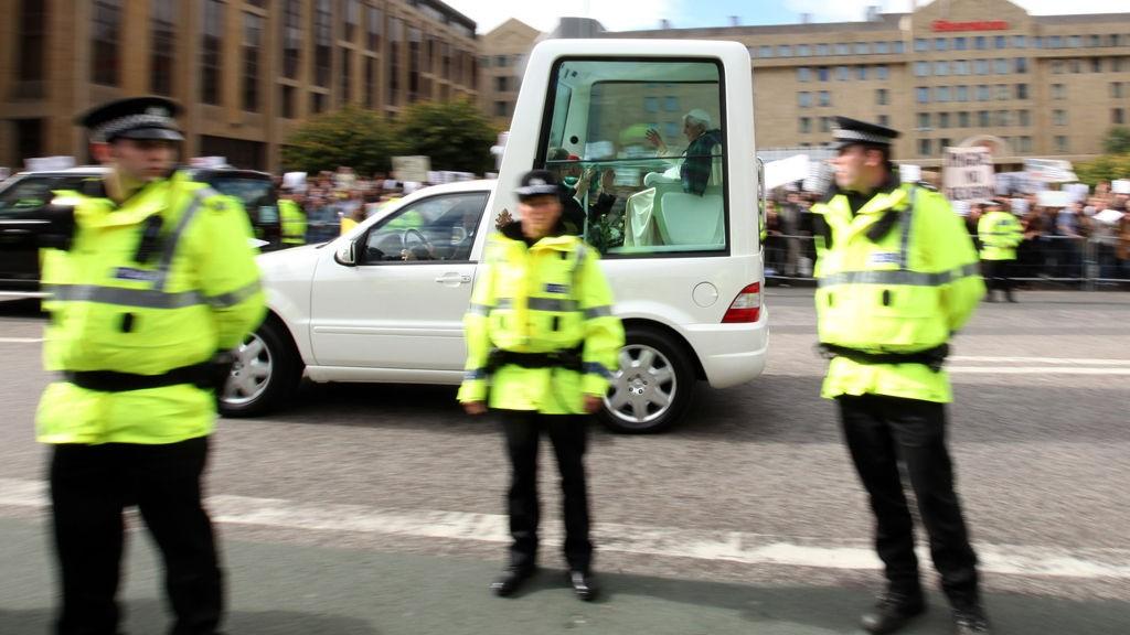 Politiet er i fullt beredskap under pavens fire dager lange statsbesøk til Storbritannia.