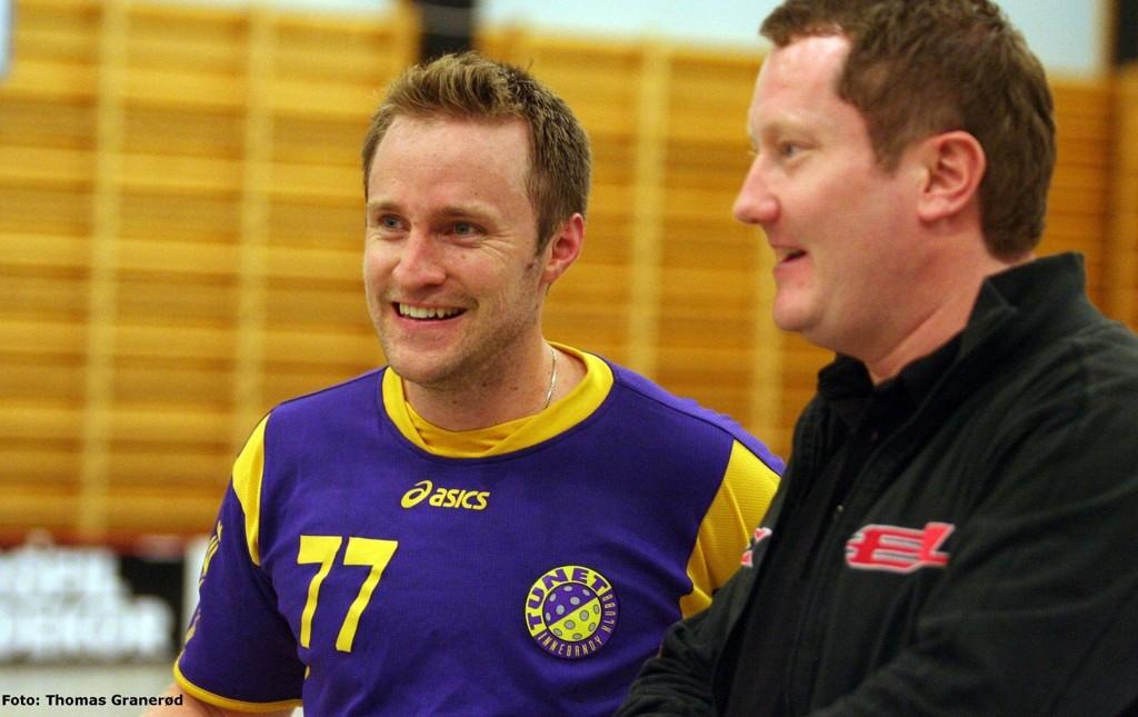 Tunet-kaptein Lars Harald Eide kunne smile sammen med sin trener Bjørn-Erik Thorp etter seier over naboen fra Bekkelaget.