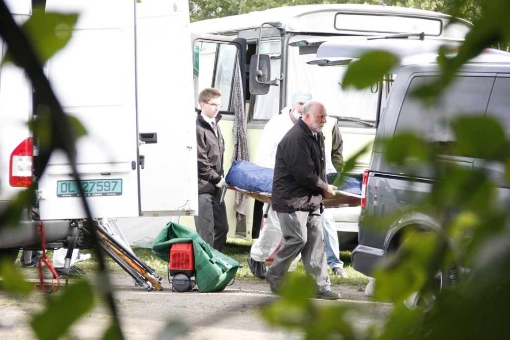 Familien på fire ble funnet omkommet i campingbilen mandag formiddag.