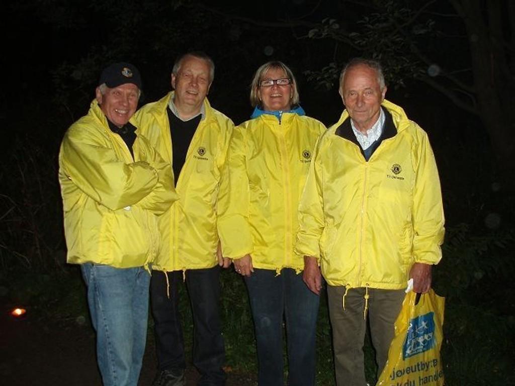 Lystennere: De fire blide Lions-medlemmer er (f.v.) Jarl Lindvik, LC Nordberg, Jens Gran og Eirild Myhre, LC Grefsen, og ytterst til høyre Kristen Helgeland, LC Nordberg.Foto: Søren Jensen.