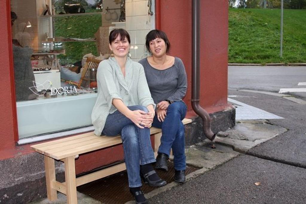 Nora Doria og Mai Yoon stortrives med atellier, systue, arkitektkontor og butikk på gateplan i Studio Kampen.