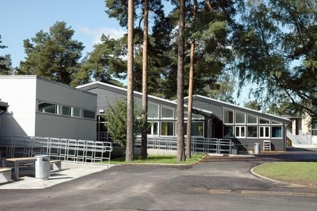 En mann fulgte etter jenter på Oppsal i september, og Oppsal skole (bildet) gikk ut og advarte foreldre.