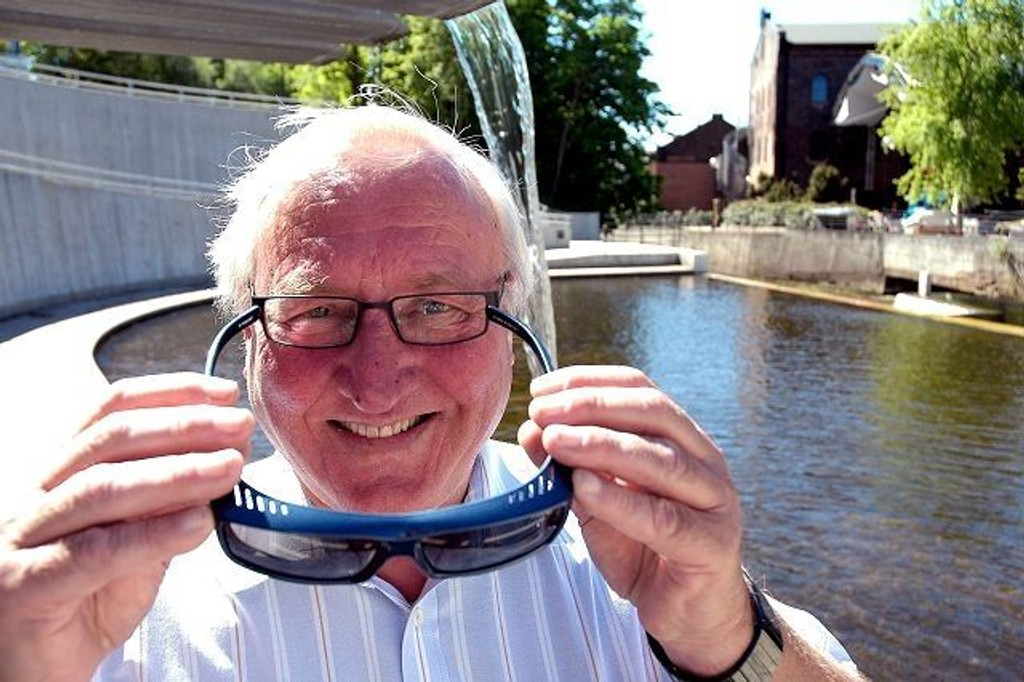 Jon Steinar Johnsen er sjef for Specsavers i Norge. Da må man ha noen brillepar å velge i. I Nydalen føler han seg hjemme. Utenfor byen kunne aldri ha tenkt seg å bo.