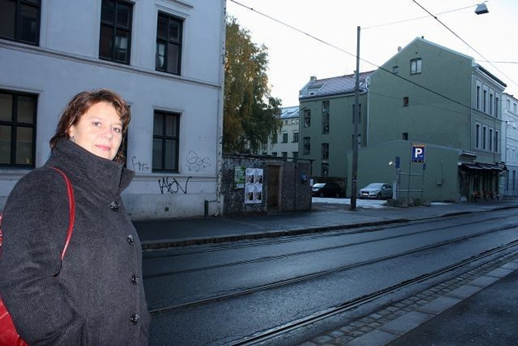 Hullet i Thorvald Meyers gate 68 blir nå bebygd istedet for å utvikles til et helhetlig torg på Schous plass, slik bydelen enstemmig har ønsket. Nestleder i byutviklingskomiteen, Tone Tellevik Dahl (Ap), synes det er trist det Venstre gjør.