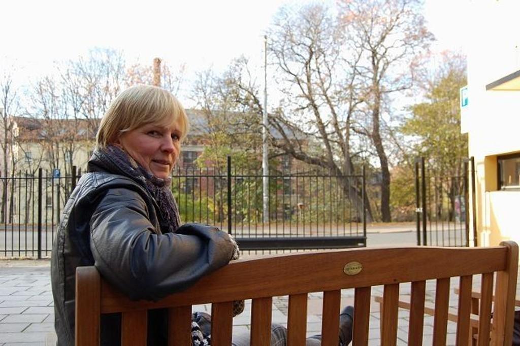 Daglig leder på Lakketorget Anne Almark tenker ikke å la seg presses vekk av de mange og truende narkoselgerene i Lakkegata. FOTO: Anita Bakk Henriksen