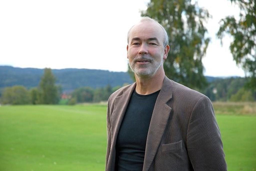 Tilfreds: Talsmannen for Naboaksjonen mot kunstisbane, Pål E. Torkildsen, er fronøyd med at Riksantikvaren opprettholder innsigelsen mot kunstisbane på Bogstad. Foto: Vidar Bakken