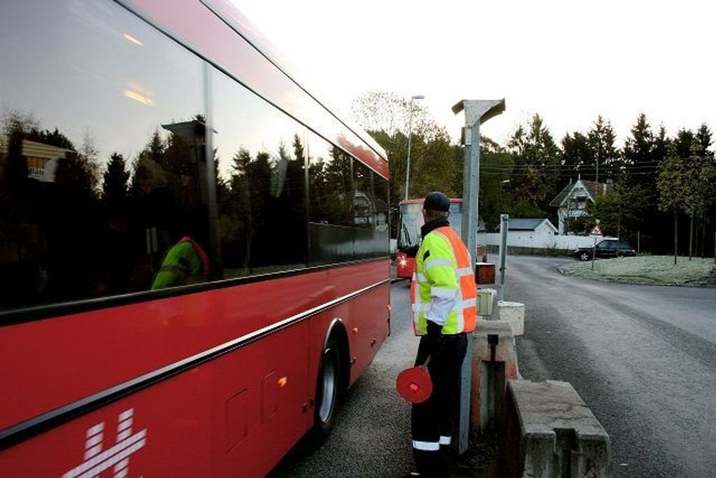 Mange busser: Selv før utvidelsen var det tett busstrafik inn på havneområdet, nå økes antallet til 70 busser på en og en halv time.foto: Simen sundsbø