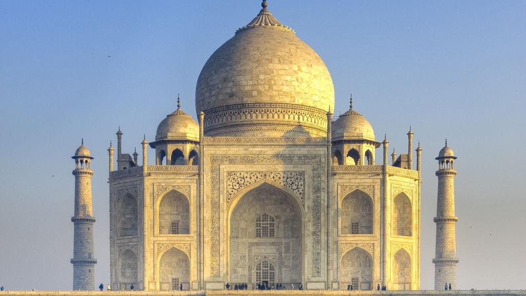 Mausoleet Taj Mahal i Agra er bare en av de tusenvis av fantastiske byggverk i India.