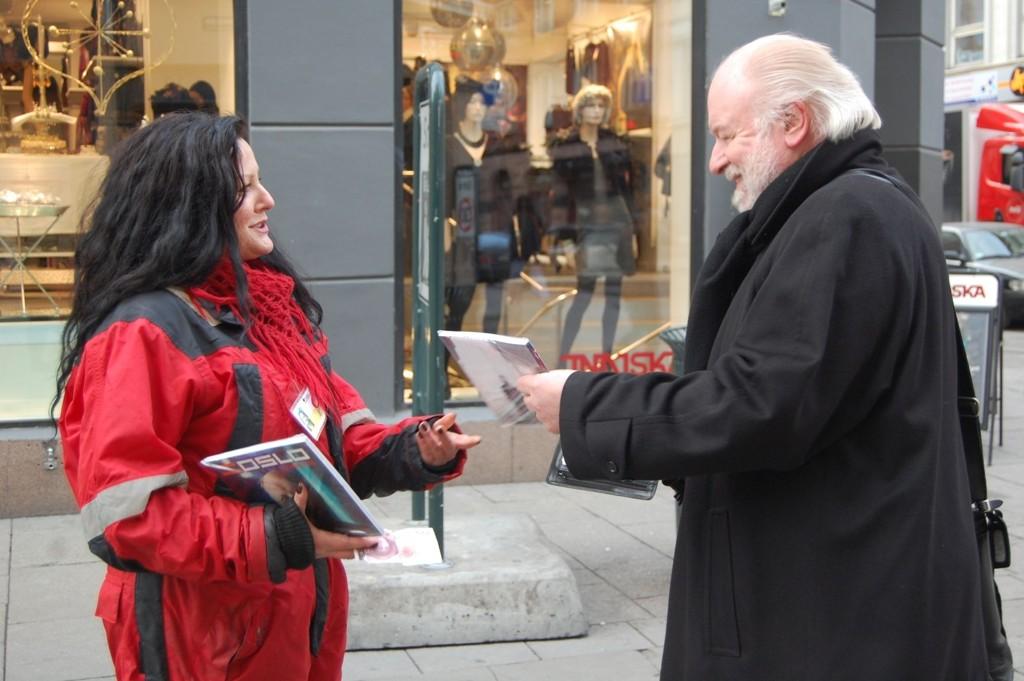Hoffreporter for Se og Hør, Kjell Arne Totland kjøper ofte her =Oslo av selger Merete.