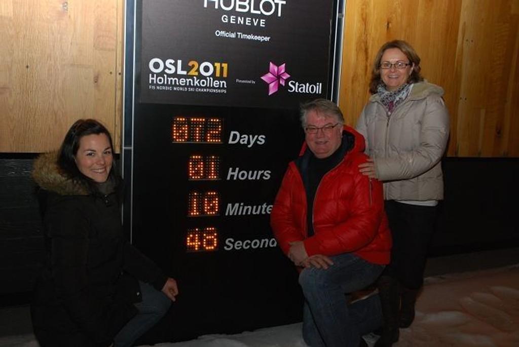 De gleder seg veldig. Fra venstre Ingrid Maurstad, Knut Orfjell og frivilligsjefen selv, Mari R. Nygaard.
