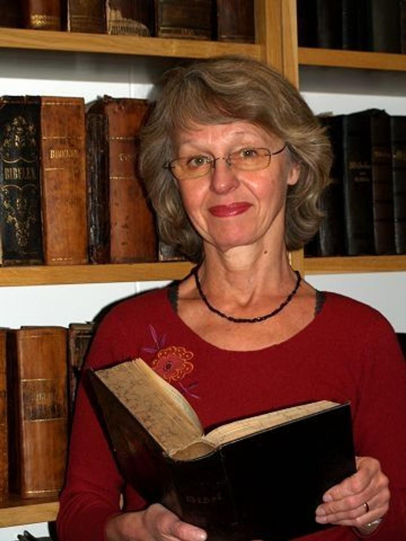 Turid Barth Pettersen i Bibelselskapet har spilt en sentral rolle i utformingen av den nye bibeloversettelsen.