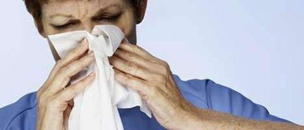 Det blir mye snyting og hosting når du har fått influensa.