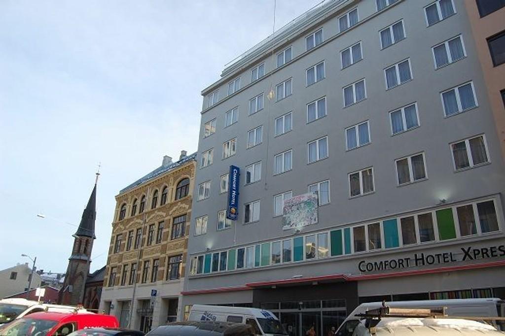Rett bak Rockefeller og John Dee ligger Comfort Hotel Xpress, som lover billige rom med god standard.