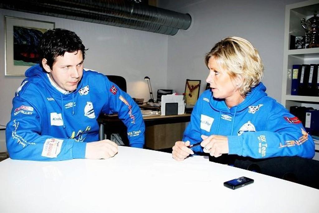 Henrik Wilhelmsen skal trene BSKs håndballjenter ut denne sesongen.