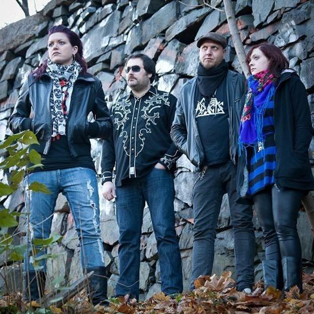 Østkantbandet Call For Riots slipper «Love At First Fight» 17. januar.