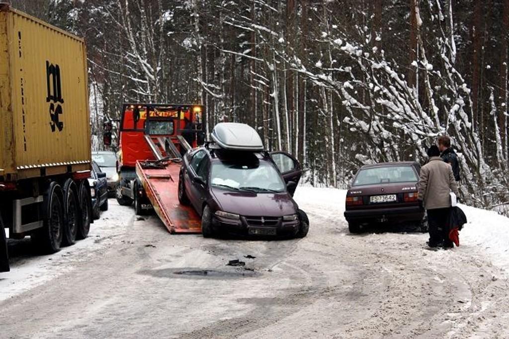 Viking må daglig dra bilister ut av Maridalen-grøfta.