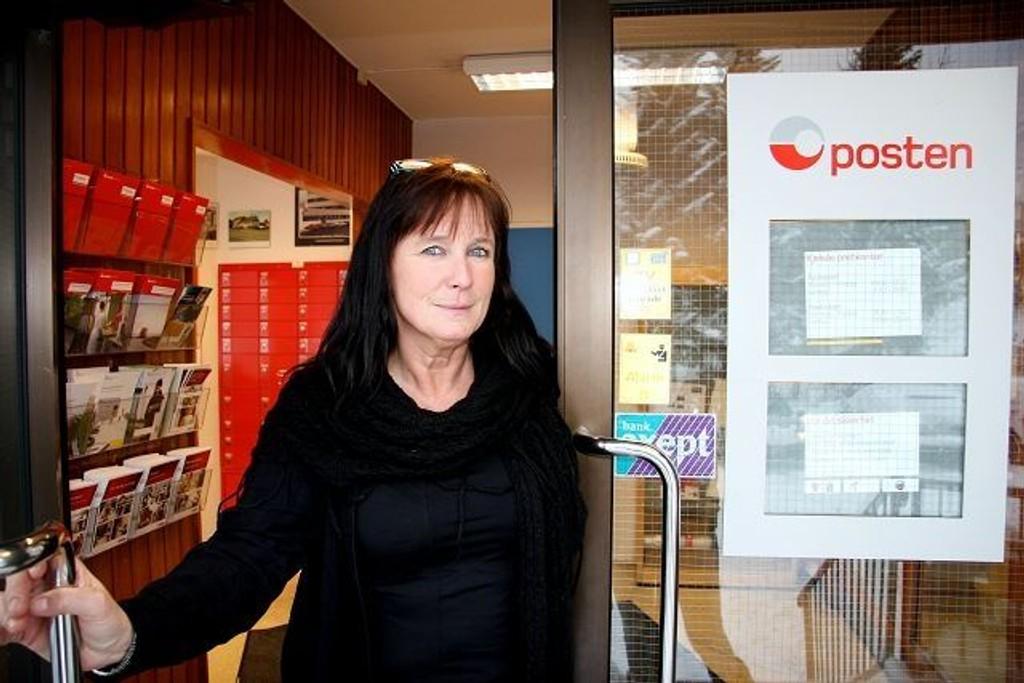 Distriktssjef for blant annet Kjelsås postkontor, Wenche Lund, er imponert over hvordan de ansatte ved Kjelsås postkontor har taklet ranet like før jul. Foto: Kristin Tufte Haga
