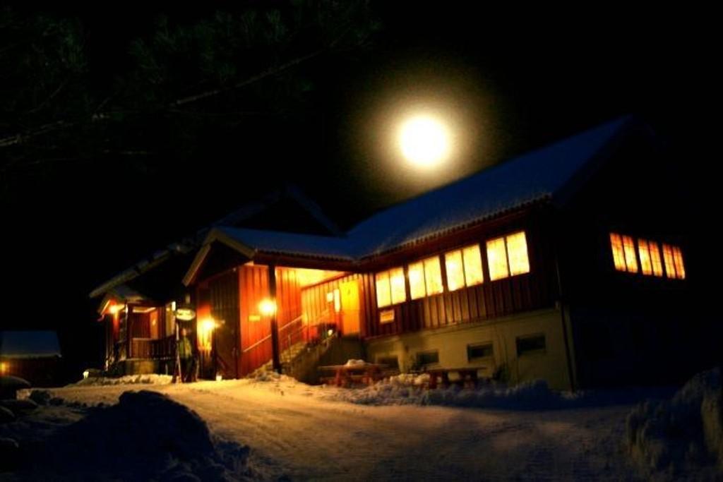 I morgen og lørdag kan det bli fullmåne over Østmarka, og da kan det kanskje friste med tur til f.eks. Sandbakken.