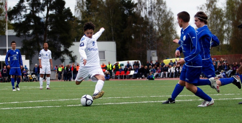 15-åringen Kamer Qaka fikk en god debut med scoring i cupkampen mot Oppsal