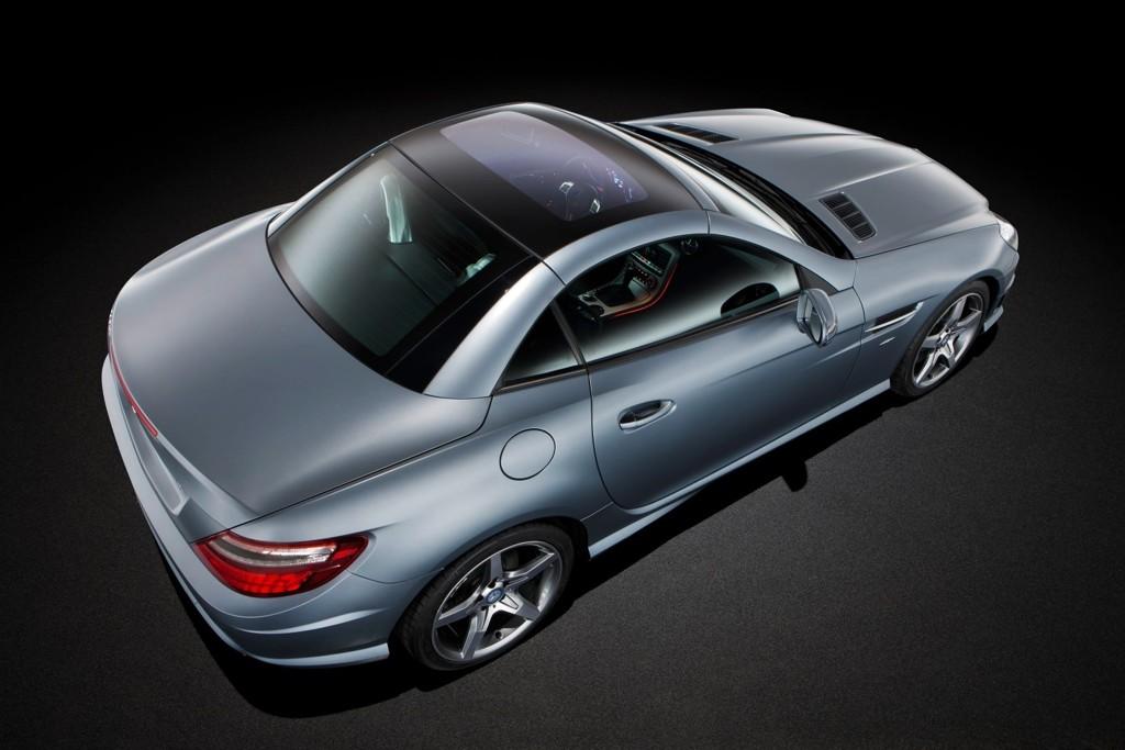 Mercedes SLK er nok en bil som står temmelig høyt på ønskelisten hos mange når sommeren kommer.