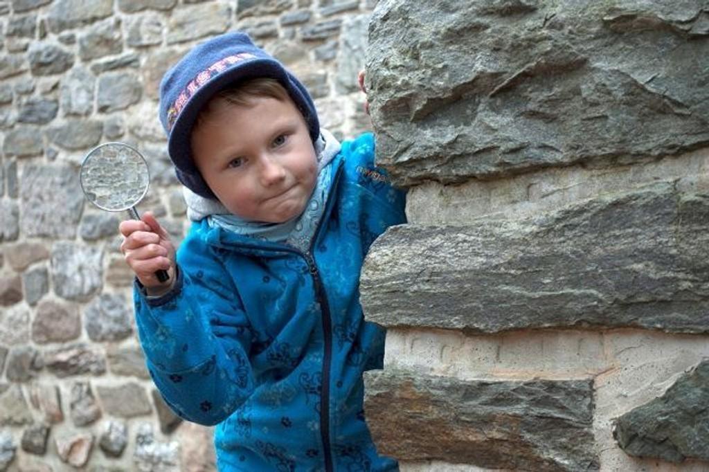 Til helgen kan alle 8-åringer få prøve seg som tårnagenter, løse mysterier og oppdrag og få utforsket mystiske kirketårn og kjellere.