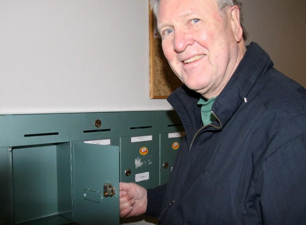 Etter en ukes tid er det fortsatt tomt i postkassen til Harald Hjelm-Larsen.
