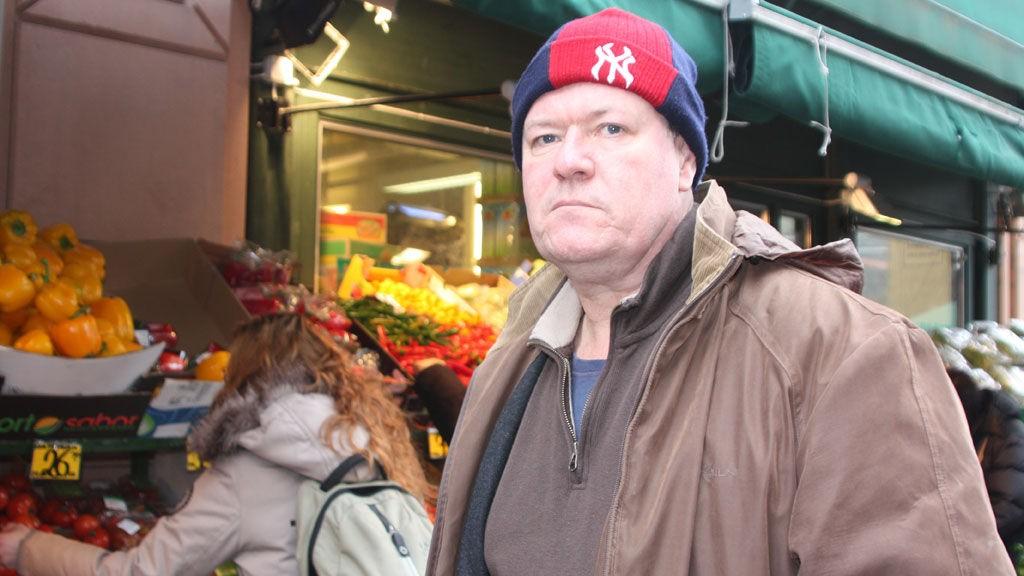 MISFORNØYD: Gerald Jones mener matvarekjedene bruker den minste unnskyldning for å heve matvareprisene.