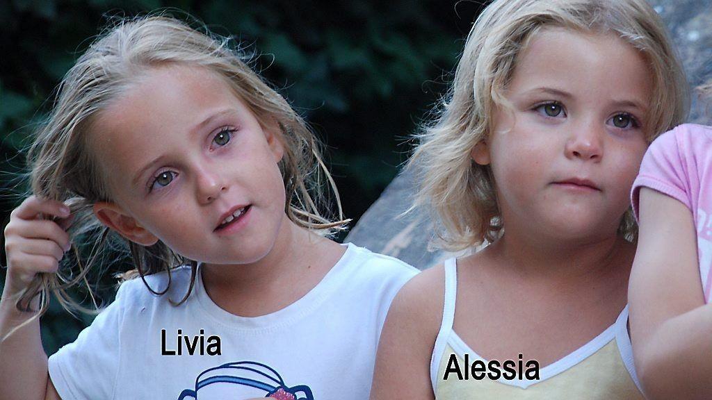 SAVNET: Alessia og Livia Schepp har vært savnet siden faren hentet dem hos moren i St. Sulpice i Sveits 28. januar. Det har ikke vært noen spor av jentene etter at faren angivelig begikk selvmord ved å kaste seg foran et tog i italia.