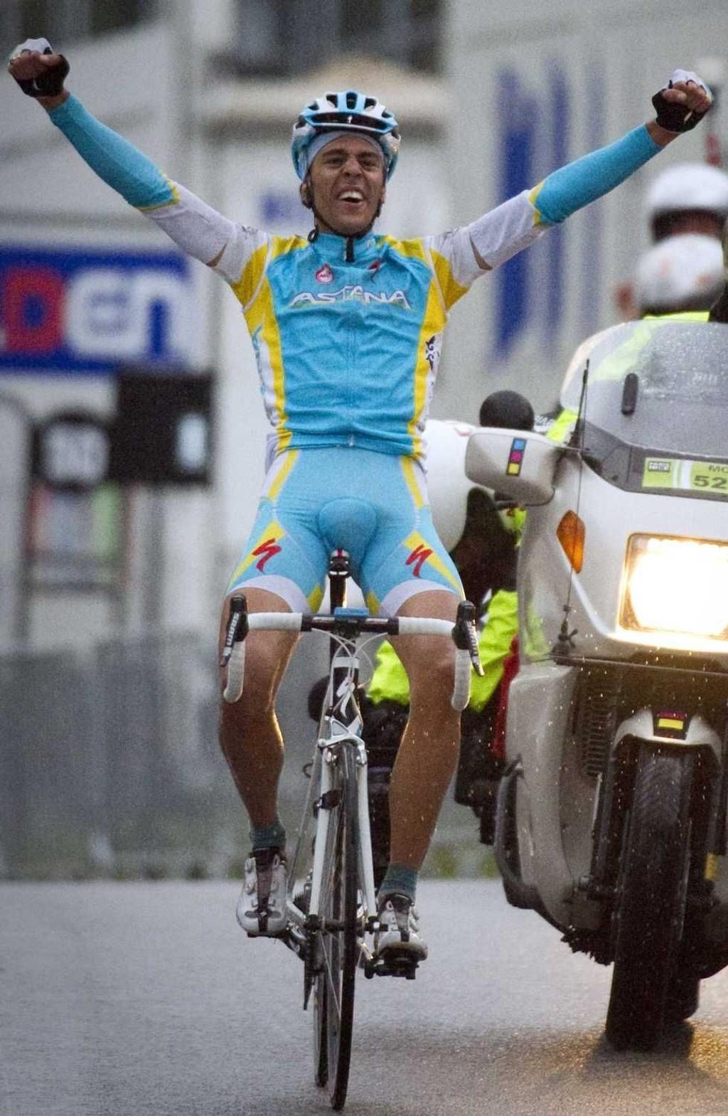 VANT: Det er lov å juble når man vinner en etappe i Paris-Nice.