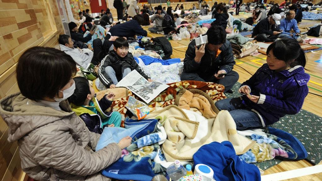 Mange japanere har måtte ta inn ved krisesentre.