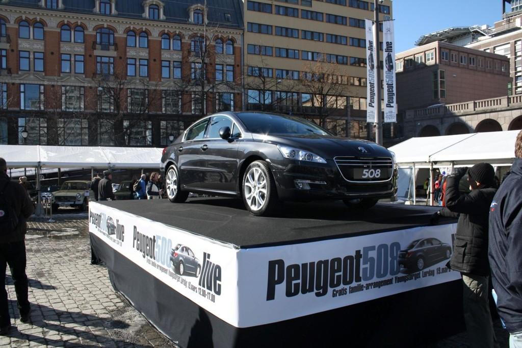 Er dette familiebilen for deg? Bilprodusentene prøver stadig nye måter å treffe sitt publikum på.