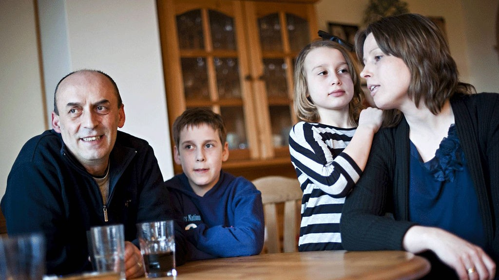 Leder i Fellesforbundet Hordaland Hotell og restaurant, Djevat Hisenaj, mener det er på tide å utvide barnehagenes åpningstid.