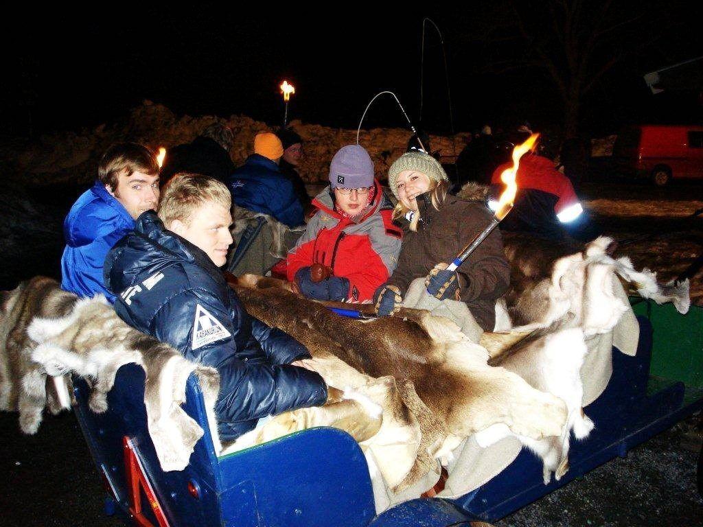 Kanefarten gikk fra Skjerven gård og opp til Ullevålseter med mange blide deltakere.