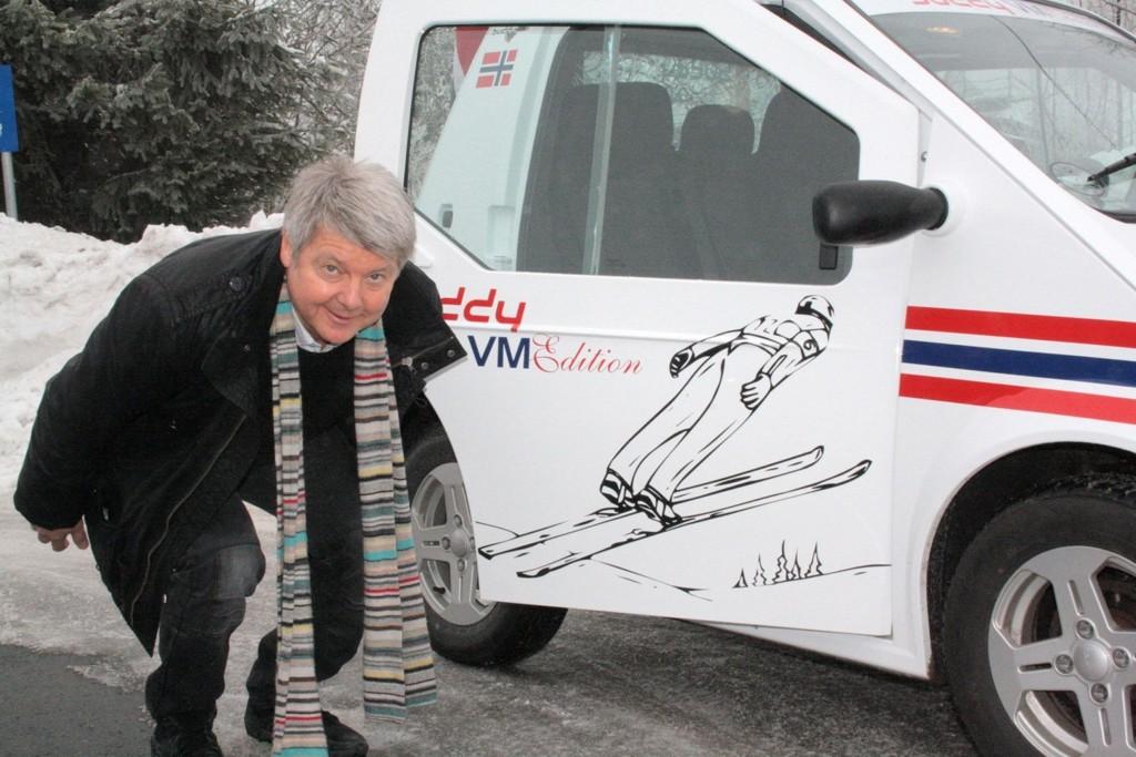 Olav Hansson er spikret i minnet som stilhopperen fra Røa og han har ikke glemt gamle kunster. Han satset på elbil under Ski-VM.