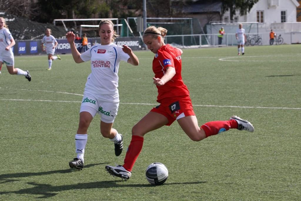 Elise Thorsnes scoret hele fem mål i 13-0 seieren til Røa mot LGT.