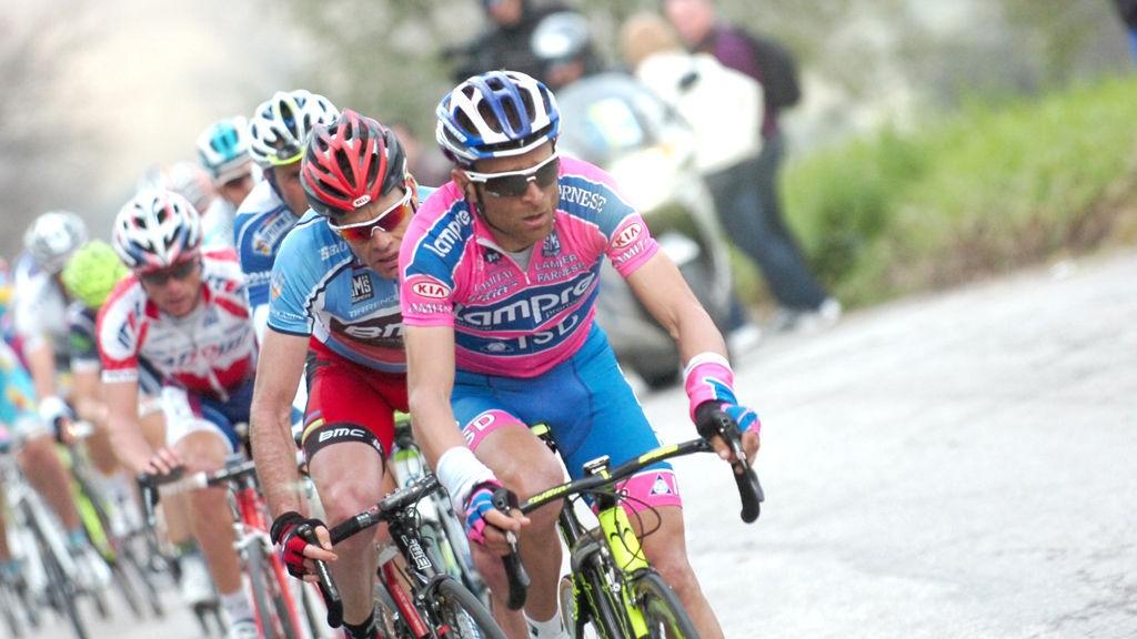 Sjette etappe i Tirenno-Adriatico 2011. Scarponi drar på Evans i Macerata.