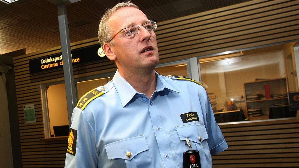 """- UTFORDRING: Kontorsjef i Tollvesenet på Gardermoen, Tor Fredriksen, mener den """"nye smuglingsmetoden"""" er mer vanskelig å oppdage."""