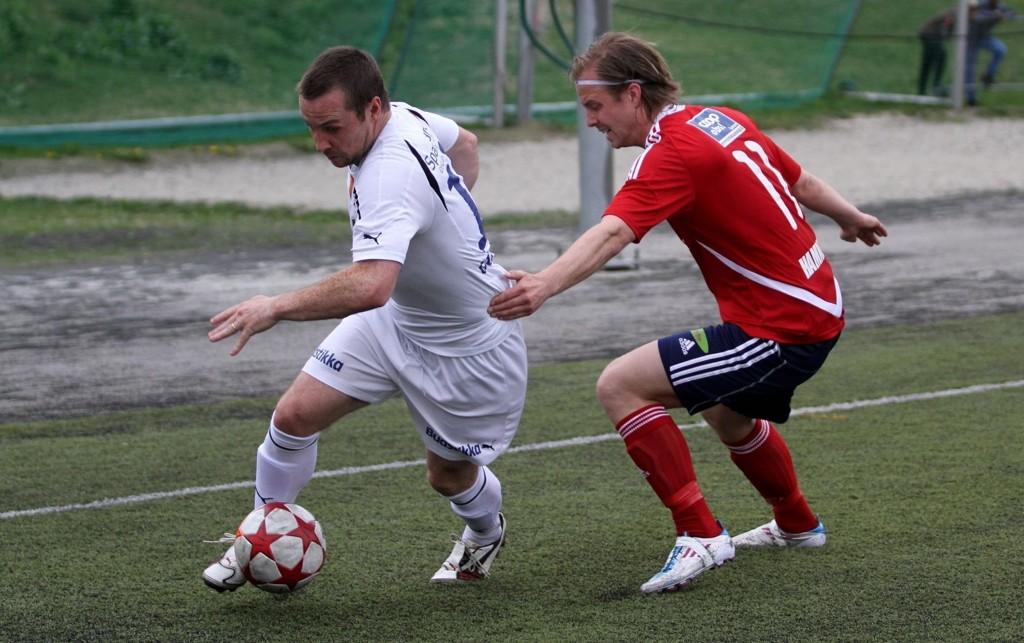 Daniel Hamnes (høyre) lot seg meget sjelden lure av Veigar Pall Gunnarsson og Stabæk.