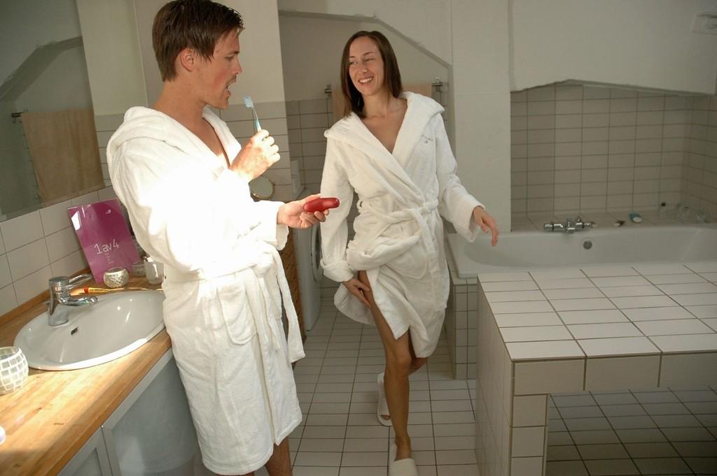 Sex på badet er det mange Oslo-par som liker. Men soverommet er fortsatt favorittrommet, viser fra tall RFSU.