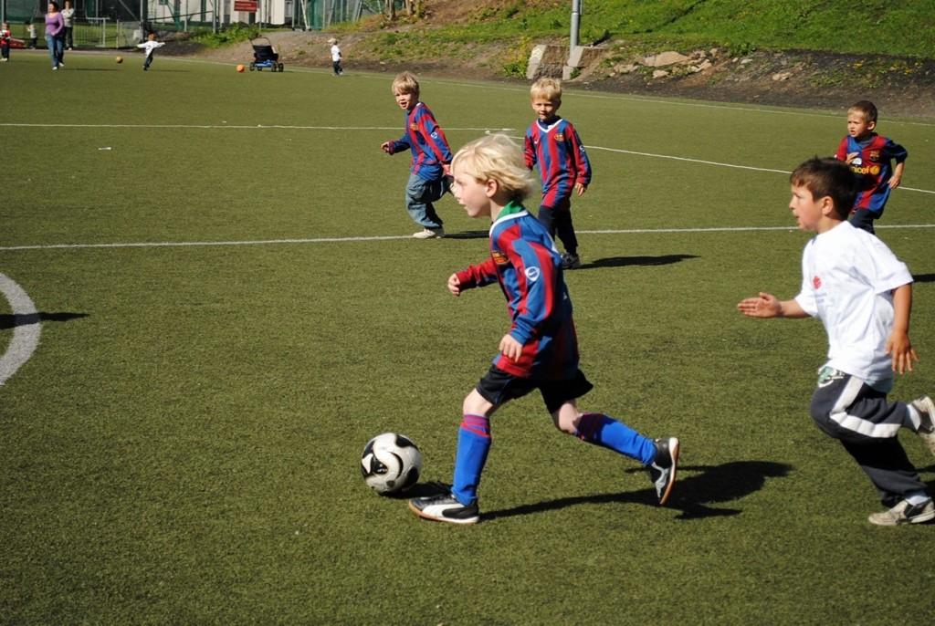 Full fart: Det krydde av små fotballtalenter på Ullernbanen sist uke.