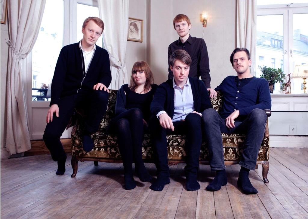 """Bandet Cold Mailman bruker nå videoen fra Groruddalen som musikkvideo til låta """"Time is of the essence""""."""