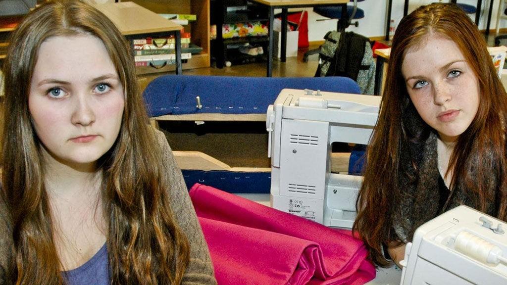 Emilie Nyheim og Zofie Bachleda fikk brev om at de likevel ikke får fullføre utdannelsen sin i Bodø.