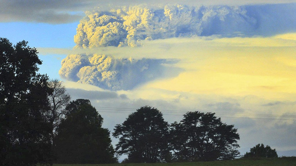 Vulkankomplekset Puyehue-Cordon Caulle i Chile brøt ut lørdag.