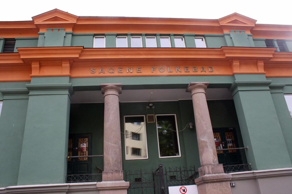 MED NY FASADE: Sagene bad har fått ny fasade, og håper nå å kunne åpne så snart som mulig. FOTO: MARION JULIUSSEN