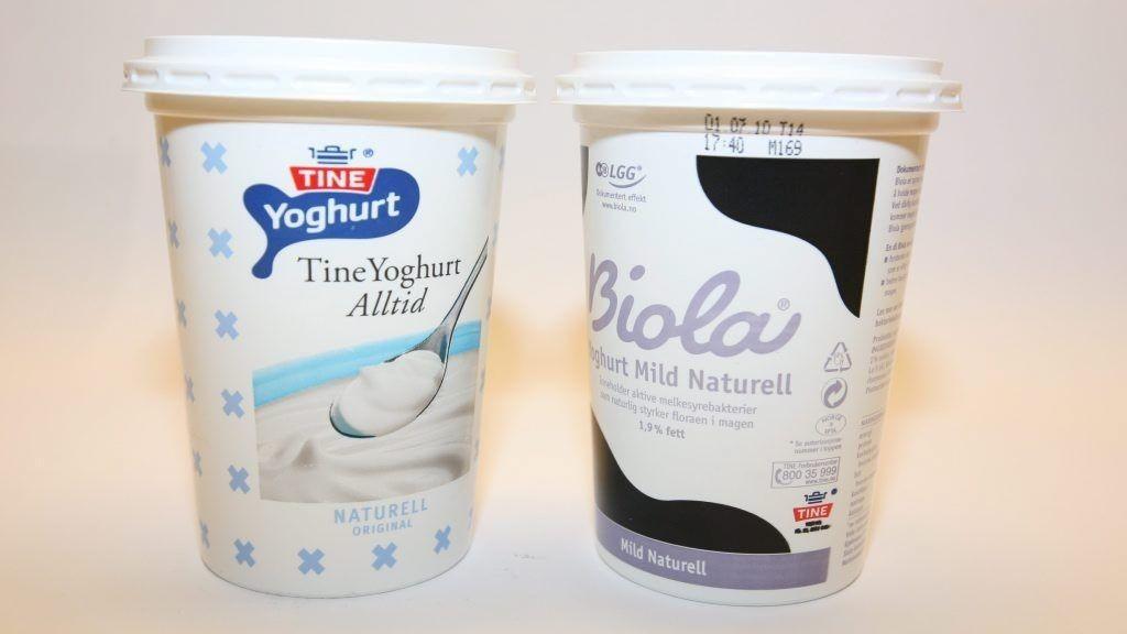 svamp i skeden yoghurt