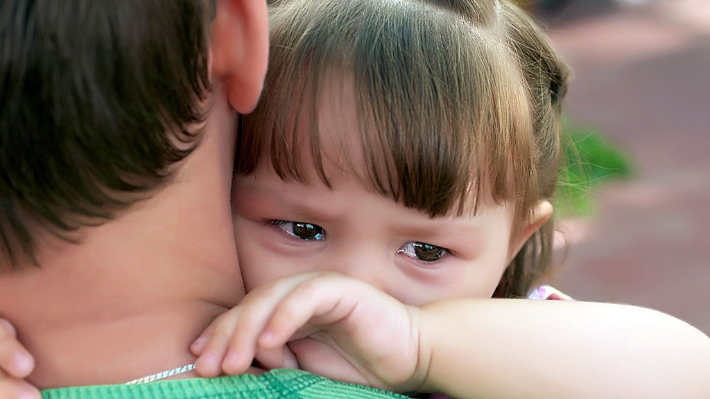 jenter som gråter